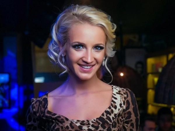 На Musicbox Бузова шокировала присутствующих прозрачным платьем