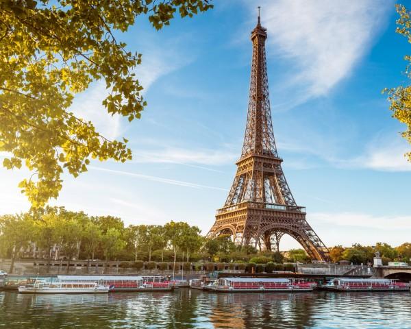 В Сети появились уникальные снимки Парижа 100-летней давности