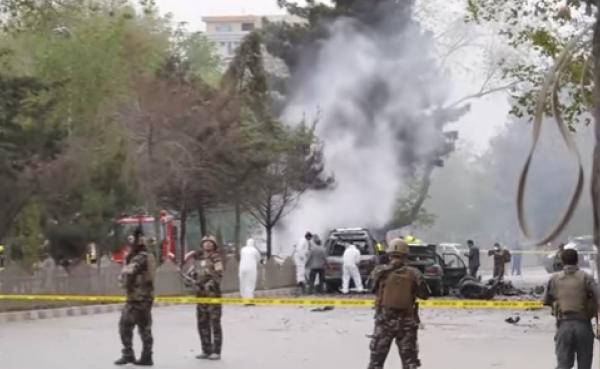 В Афганистане террорист-смертник напал на конвой НАТО