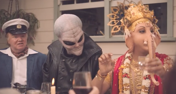 Сотни индусов в Австралии протестуют против рекламного ролика с Ганешей