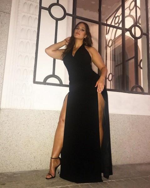 Анджелина Джоли стала примером для пышной модели Эшли Грэм