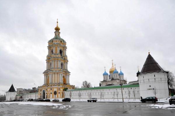 На вторую по высоте звонницу в Москве установлен колокол в 16,5 тонны