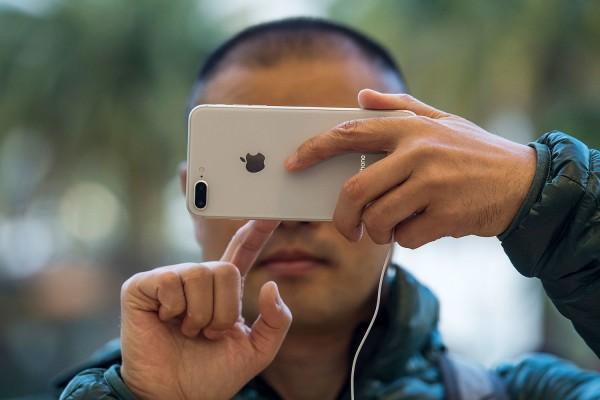 Предзаказ на новый iPhone сократился в два раза