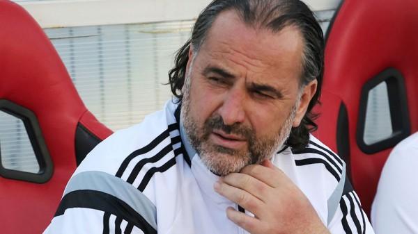 Тренер «Арсенала» заявил, что футболистов портят телефоны и соцсети