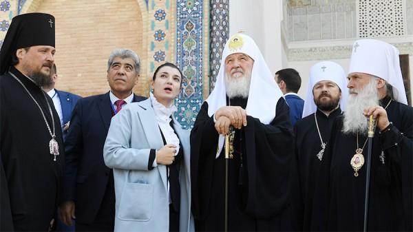 В Узбекистане патриарху Кириллу вручили кагор 1946-го года