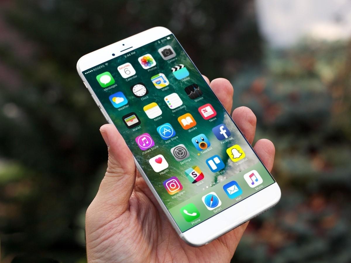 Apple расследует случаи вздувшихся iPhone 8