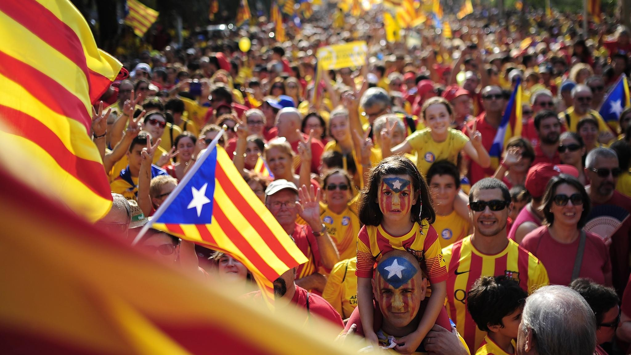 Мыостановим враждебные действия властей Каталонии— руководитель  МВД Испании