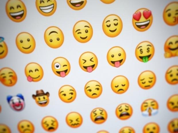 WhatsApp добавил новый набор Emoji, который скопировал уApple