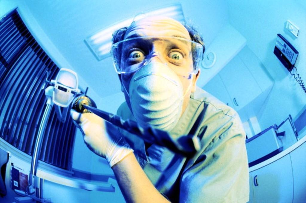 Стомклиника вИркутске предоставляла услуги полечению ипротезированию зубов без лицензии