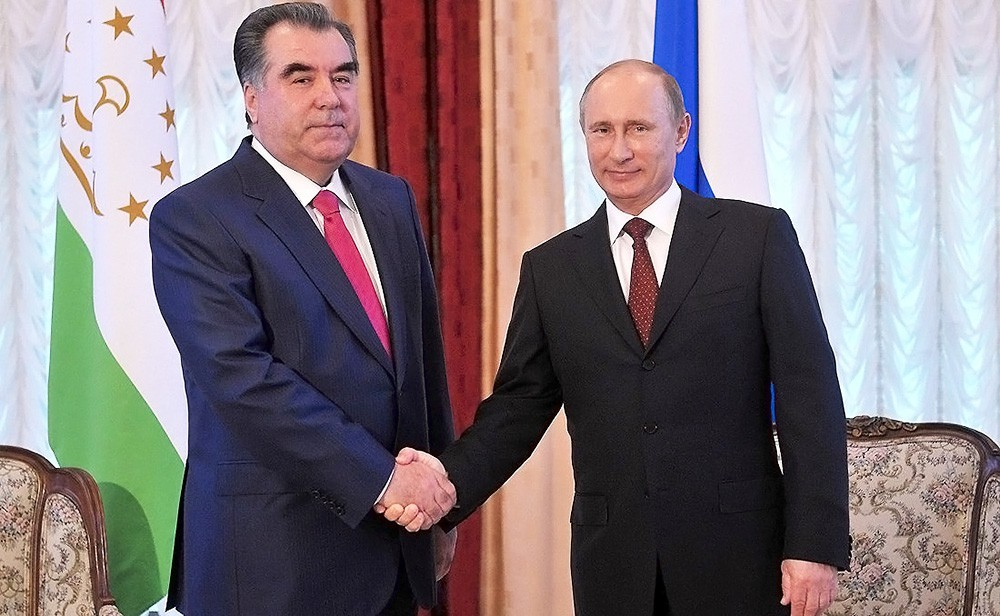 Путин поздравил Рахмона с65-летием