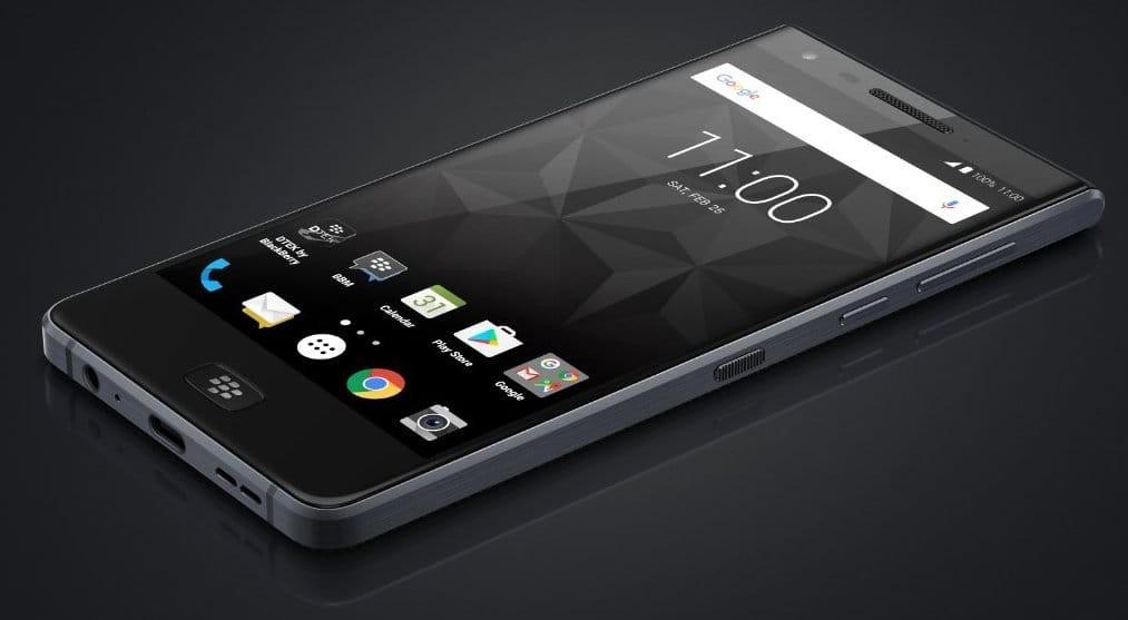 Без клавиатуры, однако  ссуперъемкой батареей— Новинка BlackBerry