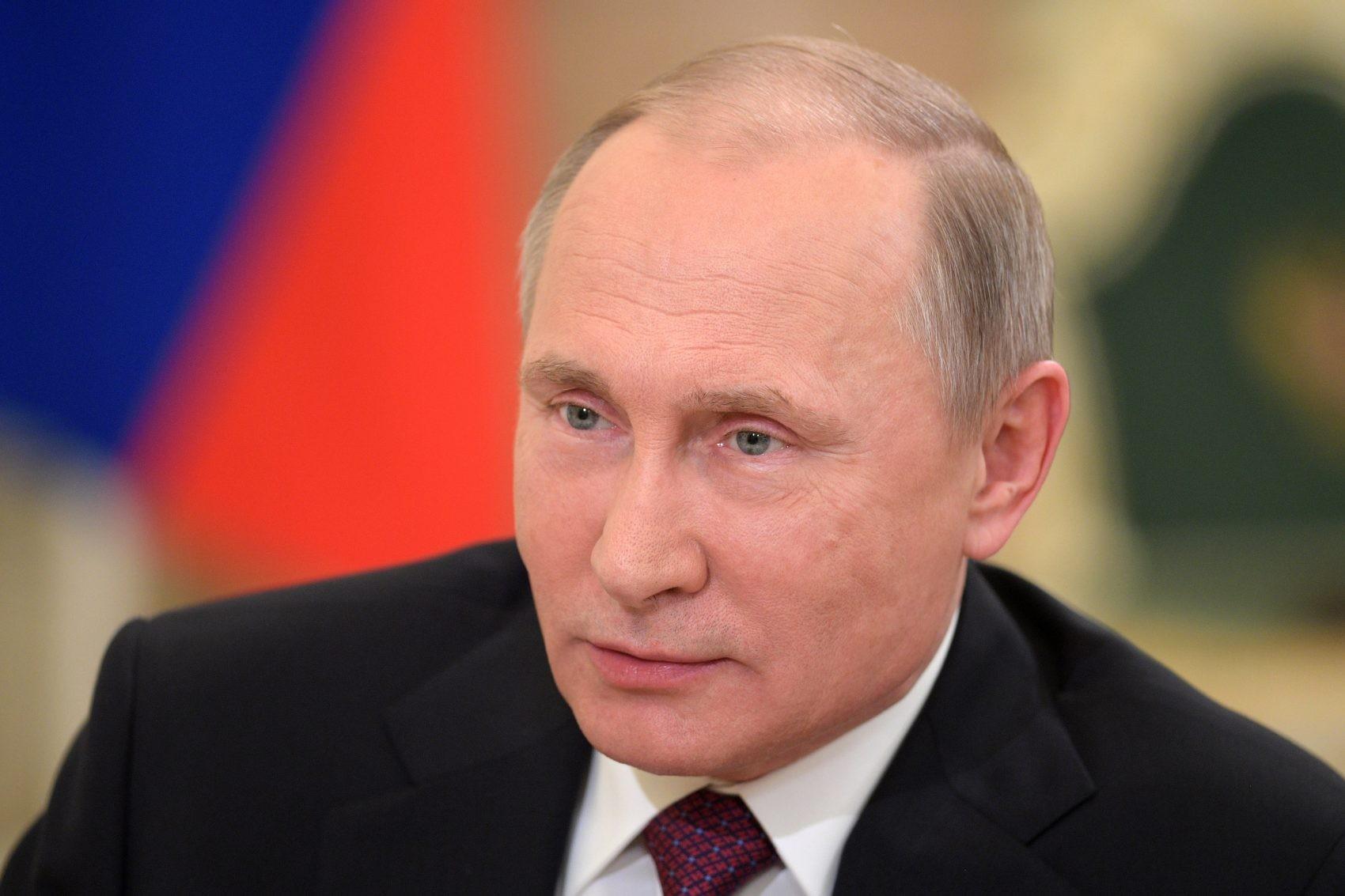 Назарбаев поздравил В. Путина сднем рождения