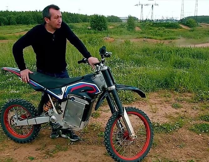 Русский изобретатель создал электромотоцикл, который в1,5 раза дешевле иностранных аналогов