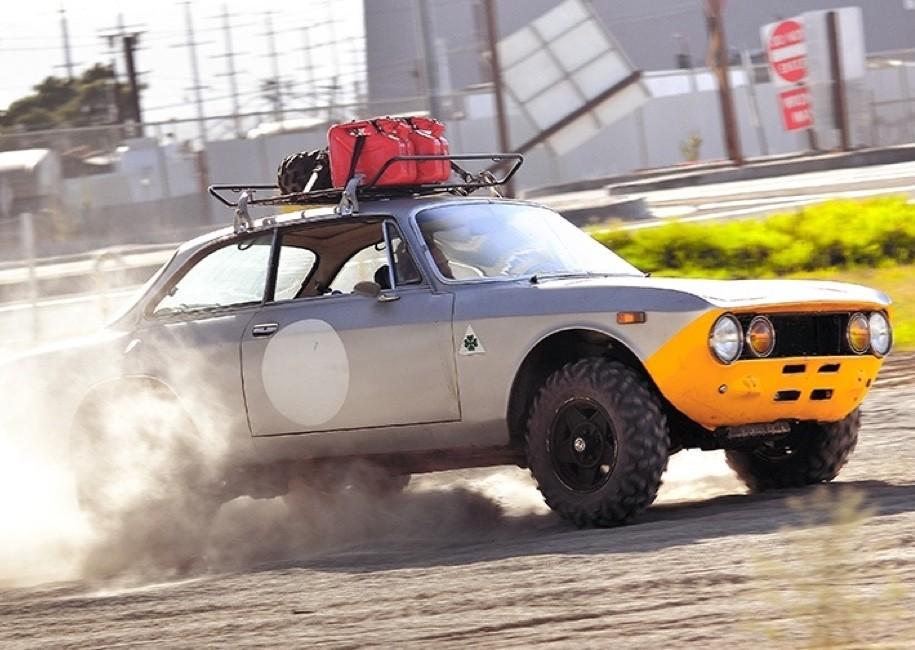 Альфа Ромео 2000 GTV стала джипом после ДТП