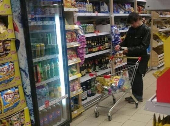 Евгений Осин опроверг слухи о закупке пива вмагазине