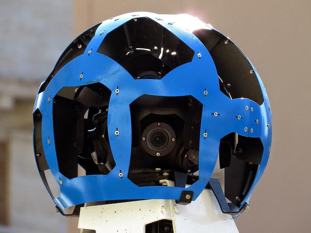ВGoogle Maps отретушировали фото пришельца сфиолетовыми глазами