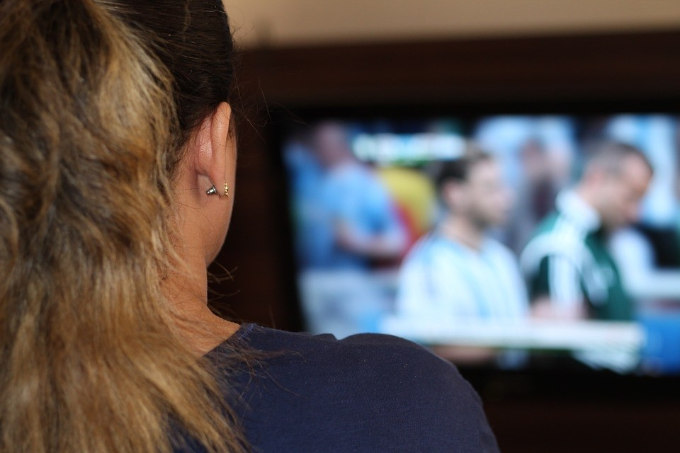ВБрянске продавщица украла телевизор изподсобки своего коллеги