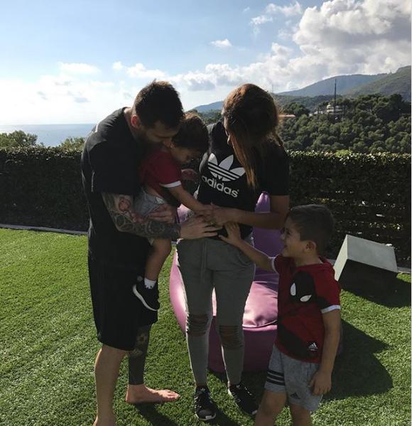 Супруга Лионеля Месси сказала о собственной беременности