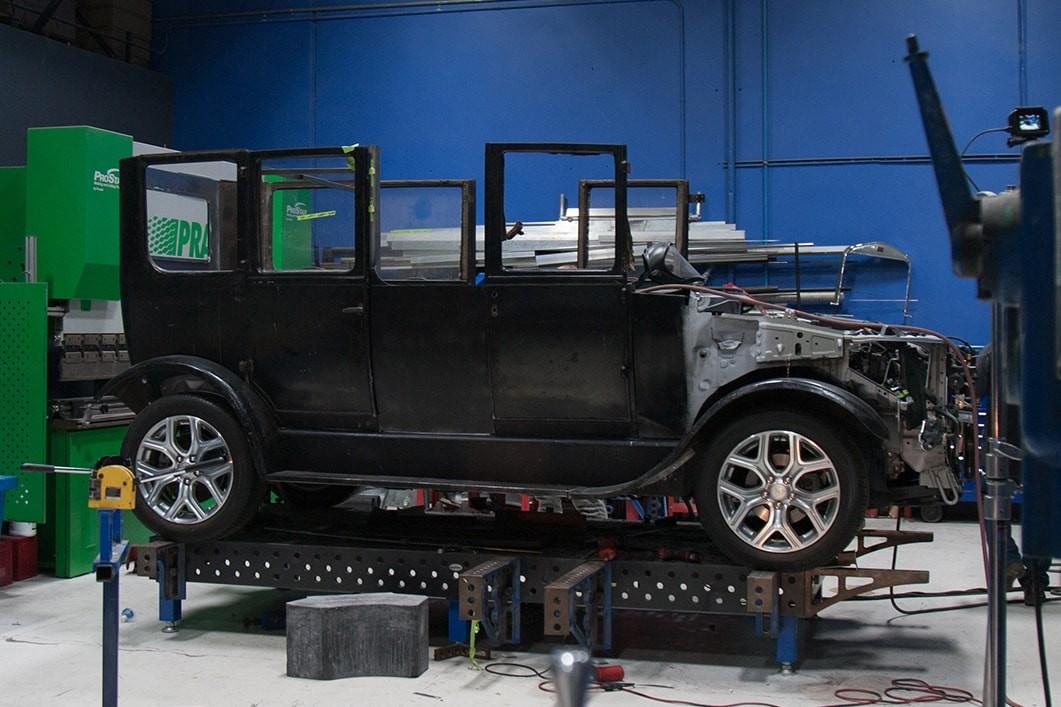 Митсубиши превратит Model A1917 года вгибридный автомобиль
