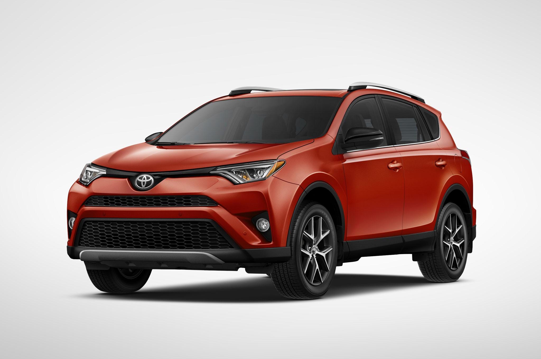 Кроссовер Toyota RAV4 остался бестселлером бренда вРФ
