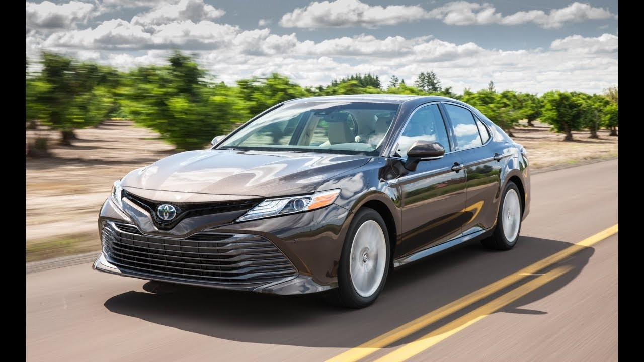 Toyota назвала комплектации Camry нового поколения