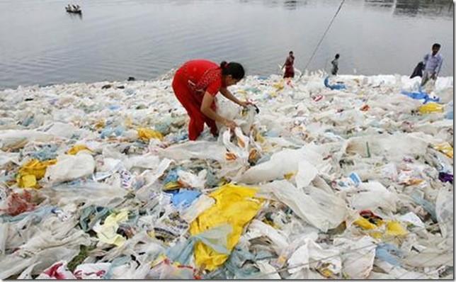 В Российской Федерации введут экологический сбор напластиковые пакеты