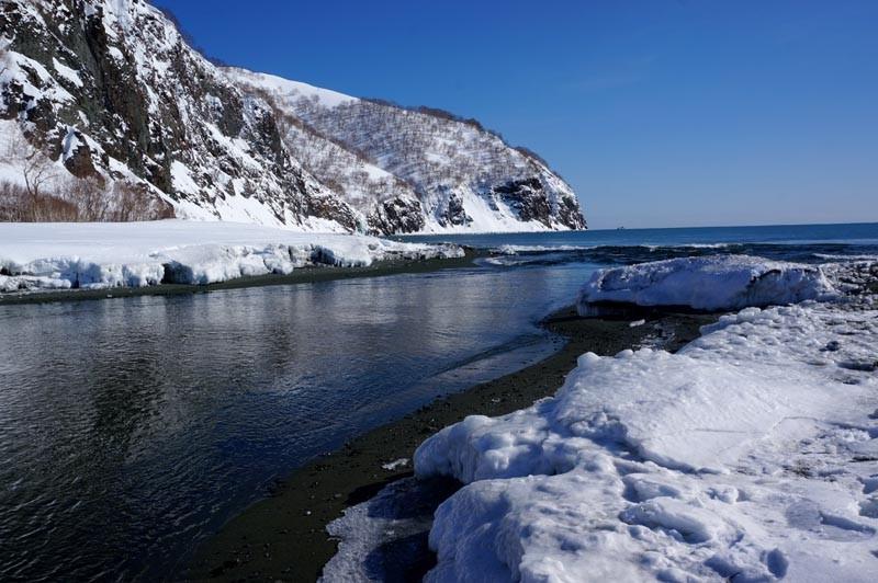Уфологи обнаружили базу НЛО надне озера наКамчатке