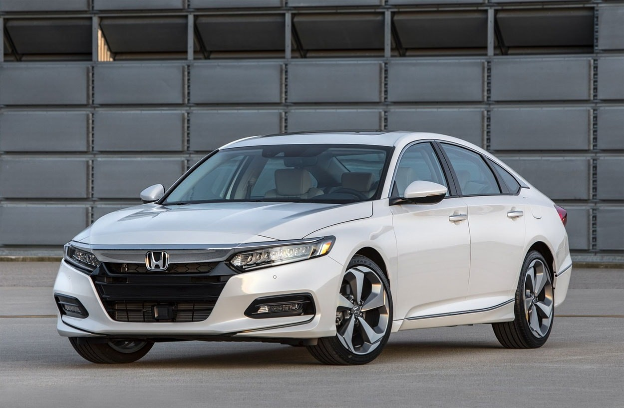 Хонда начала продажи седана Accord новейшей генерации