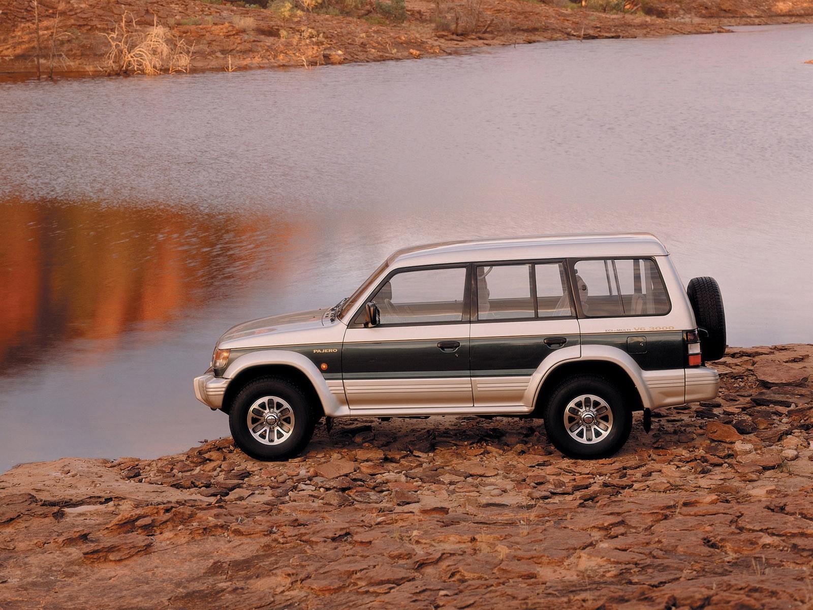 ВХакасии отыскали автомобиль счетырьмя трупами наберегу реки