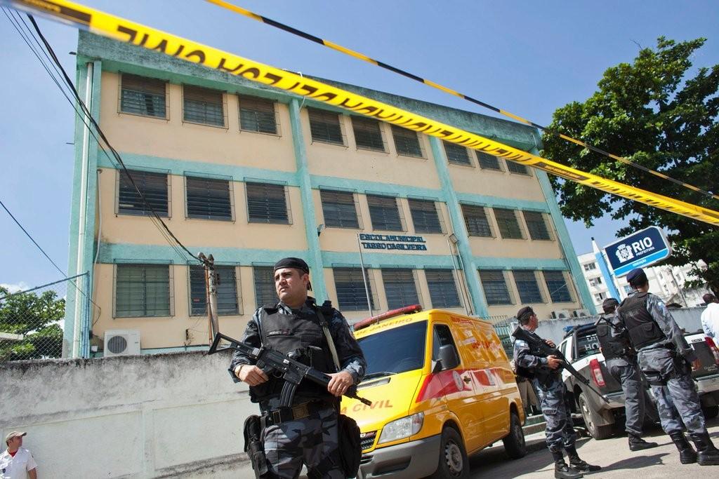 ВБразилии ребенок устроил стрельбу вшколе
