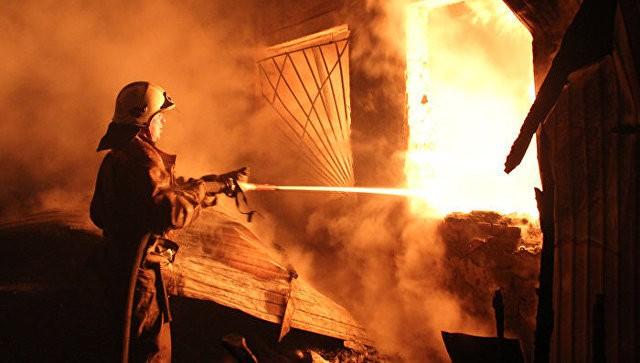 Человек умер впожаре насеверо-востоке столицы