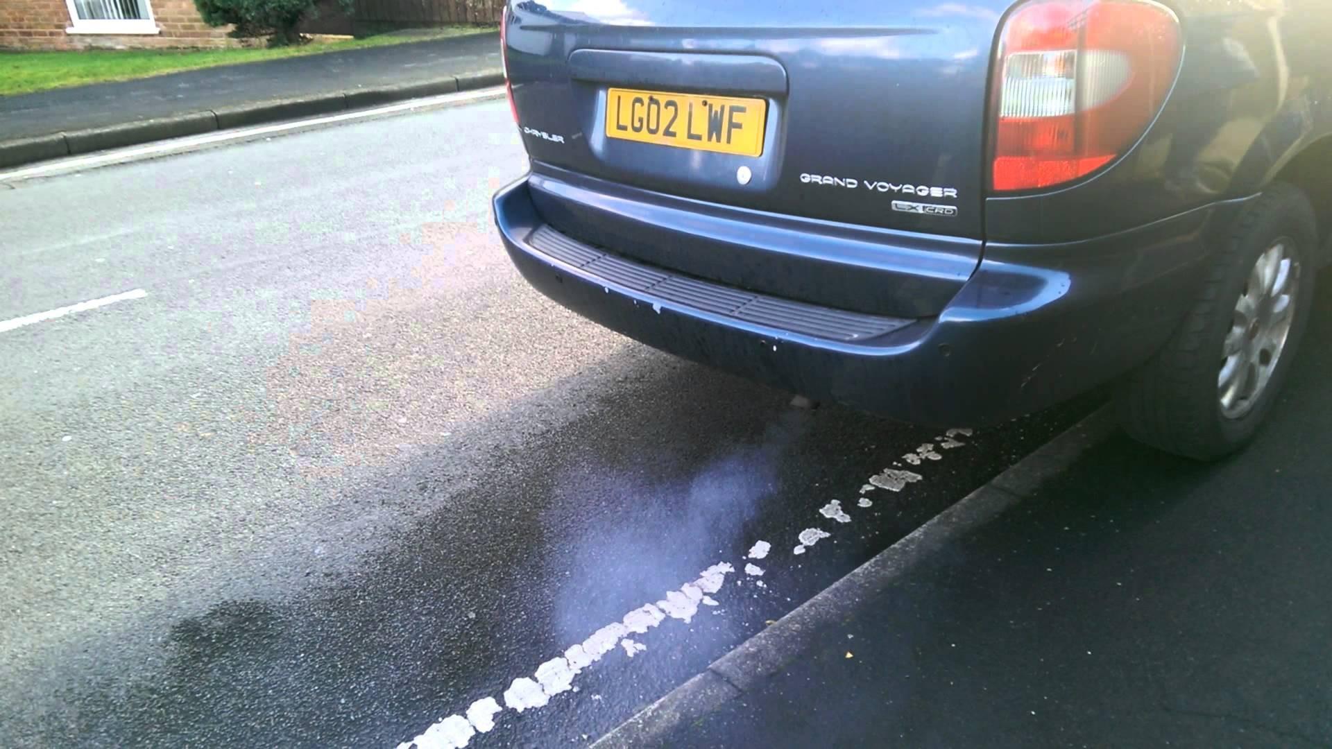 Эксперты всфере авто: Цвет выхлопных газов несомненно поможет шоферу определить неполадку автомобиля