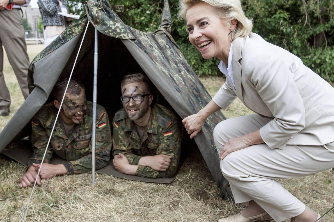 Женщина-трансгендер впервый раз  возглавила батальон вГермании