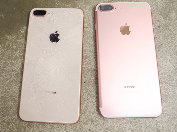 Юзеры жалуются наразбитые стеклянные панели iPhone 8