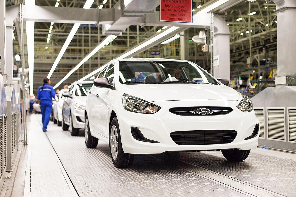 Петербургские автозаводы увеличили выпуск машин начетверть