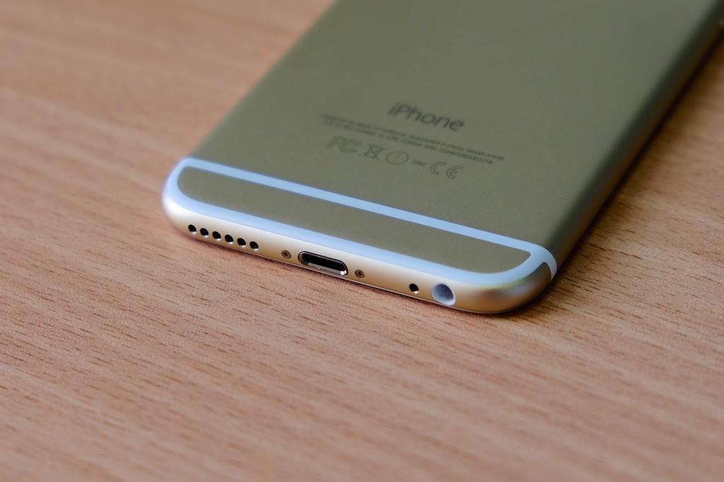 Специалист разъяснил, почему из телефонов исчезнет аудиоразъем 3,5мм