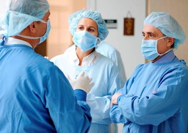 Самарским докторам обещали платить по56,5 тыс. руб. вмесяц