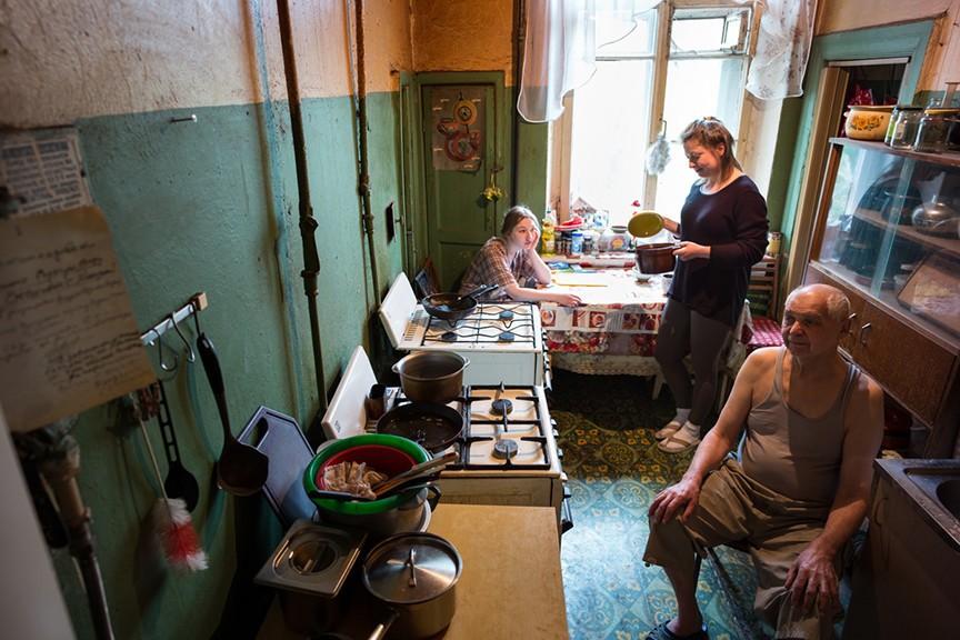 242 тысячи петербургских семей живут вкоммуналках— Смольный