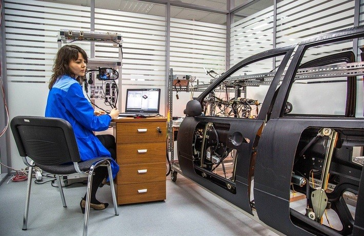 Первый в РФ центр разработки компонентов для роботизированного транспорта откроют в Москве