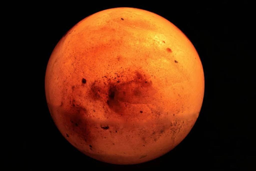 Овраги наМарсе образуются из-за замороженной углекислоты— Ученые