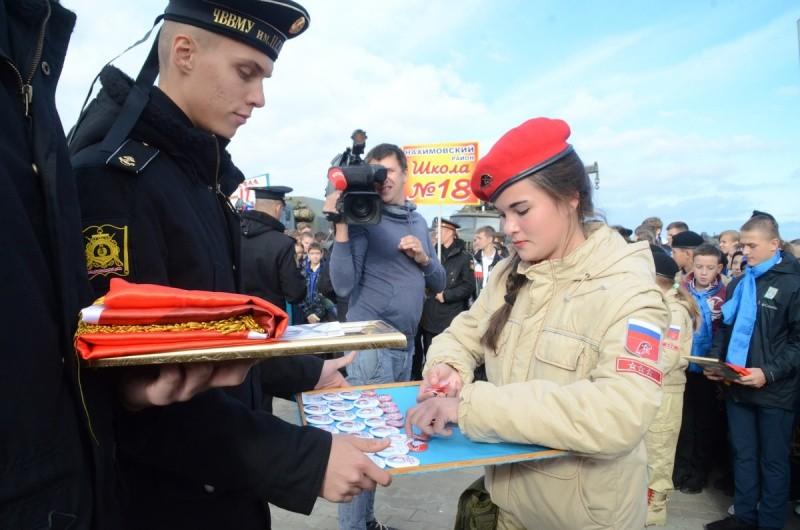 Ряды Юнармии пополнили неменее 1500 школьников изСевастополя