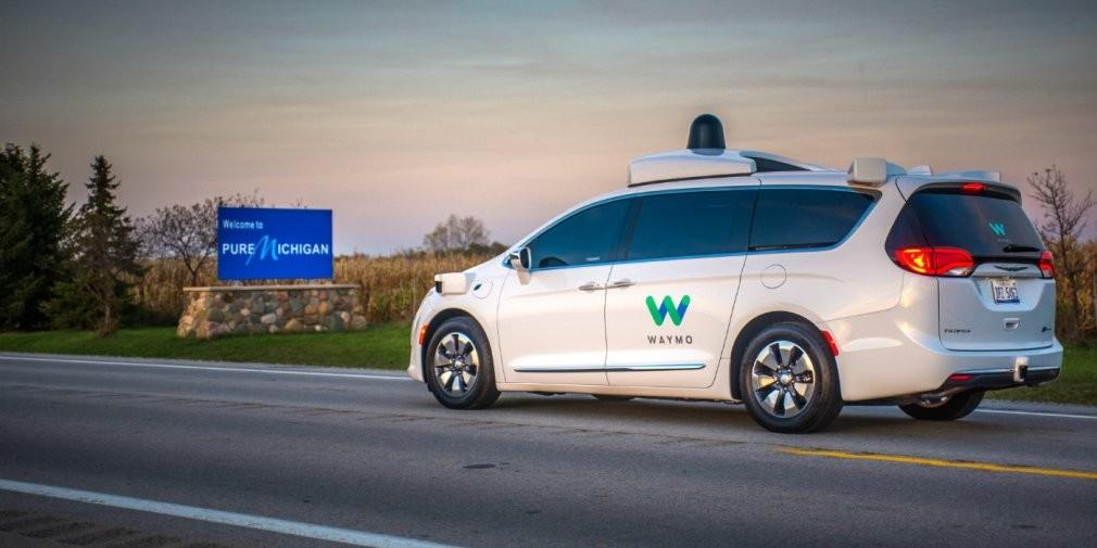 Google протестирует беспилотные автомобили взимних условиях