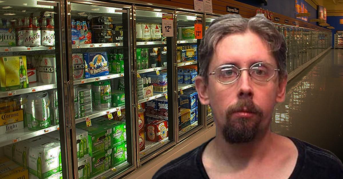 Американец, которому суд запретил пить, заперся вхолодильнике спивом