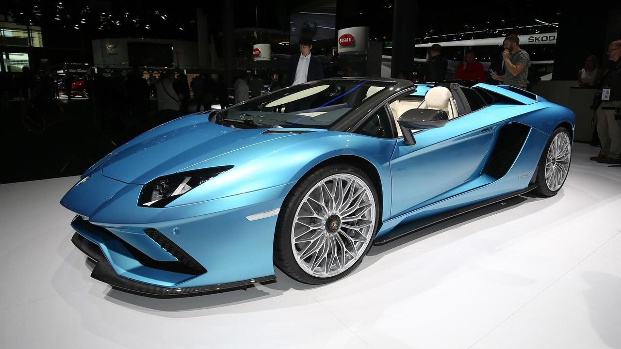 Lamborghini выпустила юбилейный Aventador иHuracan 21