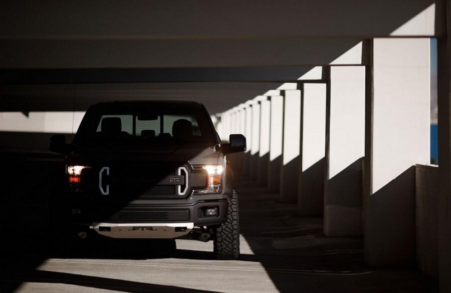 Концептуальный автомобиль экстремального пикапа Форд F-150 RTR Muscle Truck привезут наSEMA