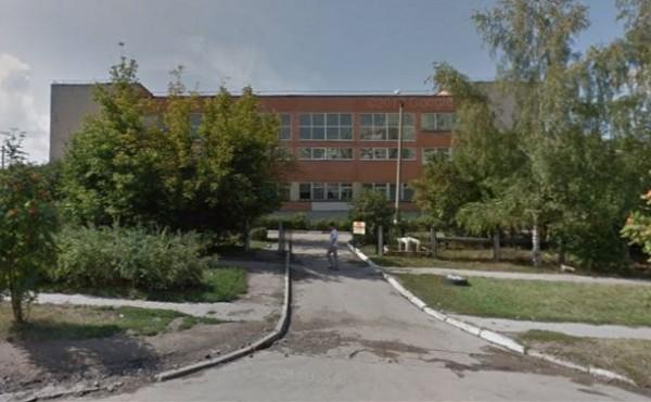 В Туле возле школы №50 обнаружили труп мужчины