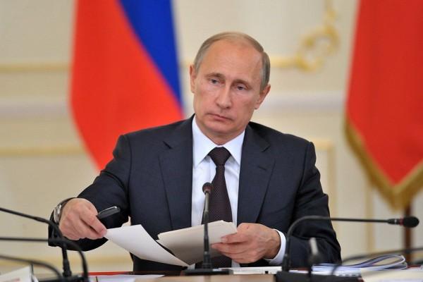 Владимир Путин уволил губернатора Орловской области