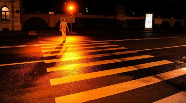 В Твери на площади Славы прошла акция по безопасности пешеходов