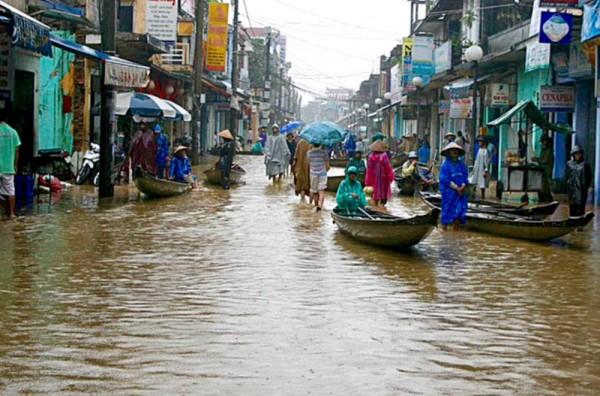 МИД предупредил российских туристов о наводнениях во Вьетнаме