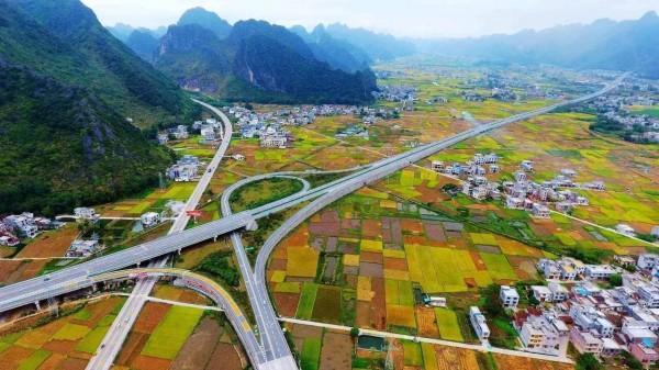 Китай построит автотрассу за 13,4 млрд долларов